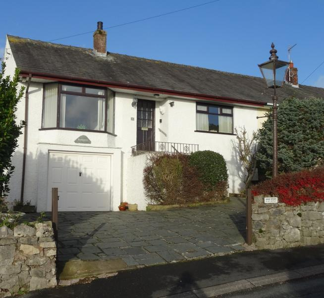 Lothlorien Holiday Cottage in Kents Bank, Grange over Sands with sea views.