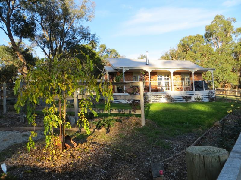 Casa rural Studio ubicado en su propio jardín privado vallado