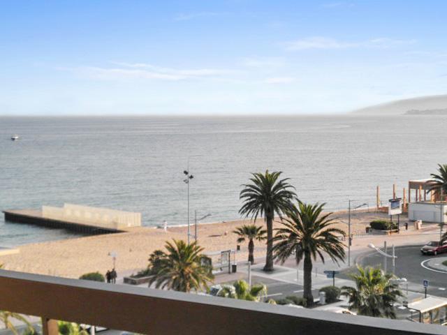 Nice apt with sea view & balcony, location de vacances à Fréjus-Plage