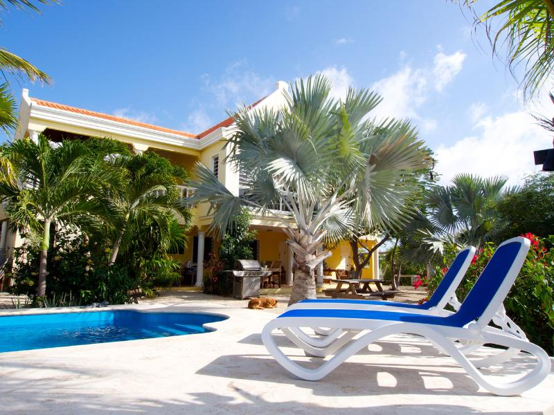 Villa Alcyone - 4 perfect accommodations in great, location de vacances à Bonaire