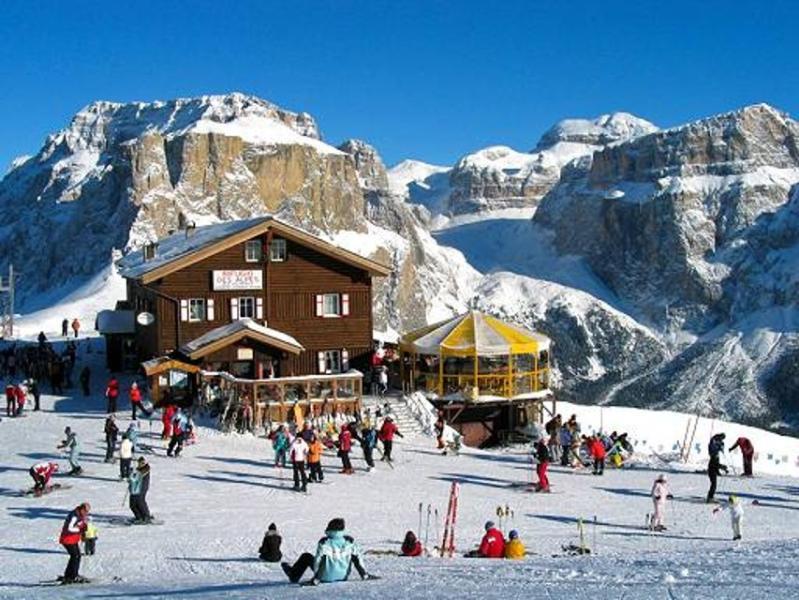 appartamento di charme nelle Dolomiti (Val Fassa), holiday rental in Campitello di Fassa