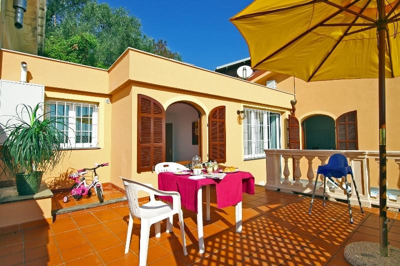 Villa Chiara Poggi - Two-room apartment with terrace, vacation rental in Poggi