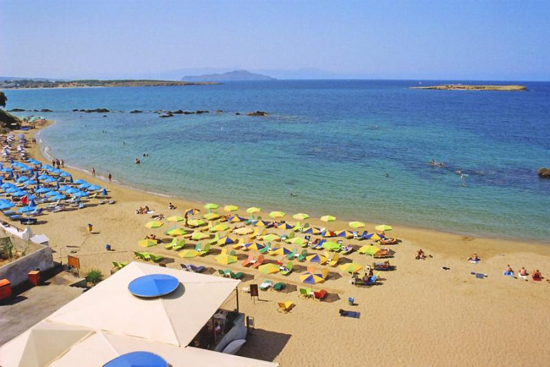 Nea Hora Beach - 30 meters from the apartment