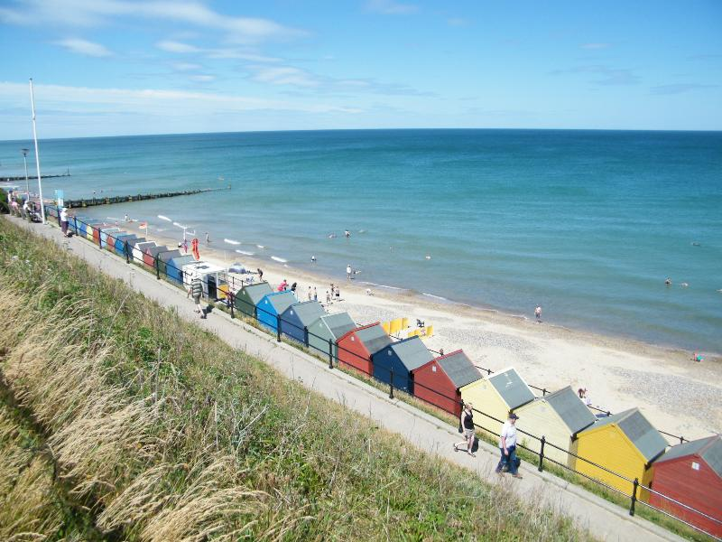 Mundesley Beach - Blue Flag - With Colourful Beach Huts