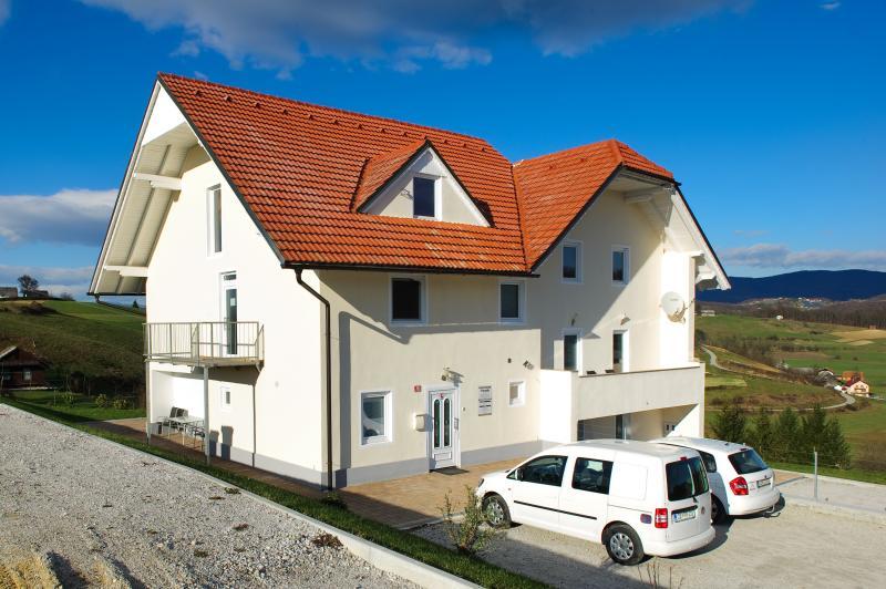 Främre lägenheter Plevnik