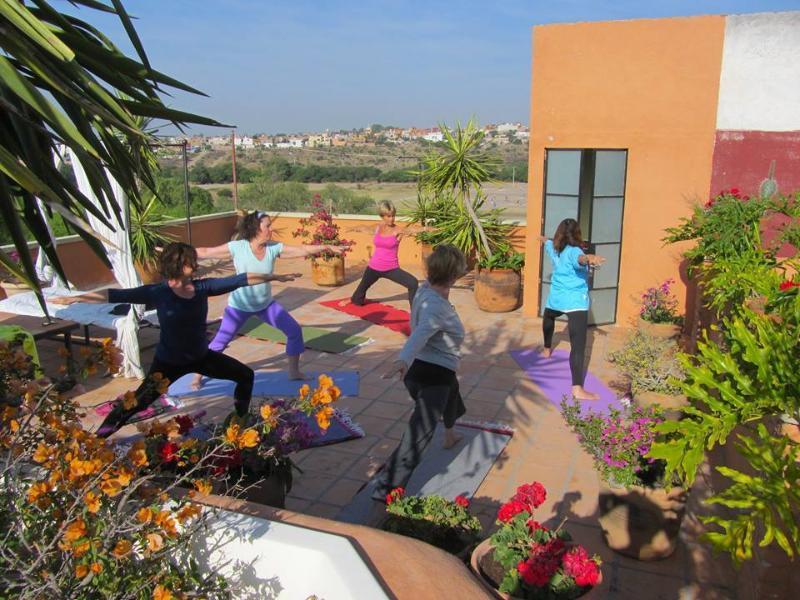 para grupos de yoga mucho espacio para techo yoga