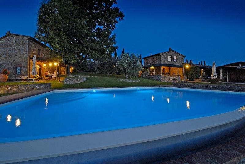 FarmHouse near CHIANTI and SIENA, vacation rental in Montebenichi