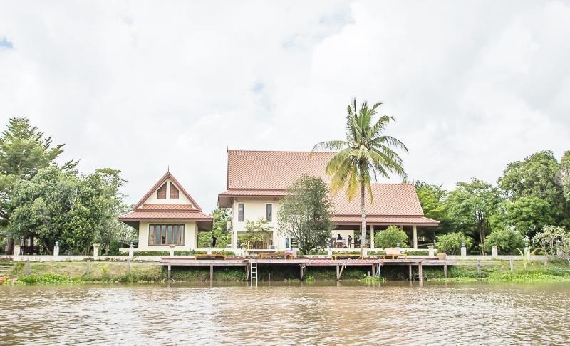 Tharnrarin Villa - Suphan Buri, Thailand, casa vacanza a Suphan Buri Province