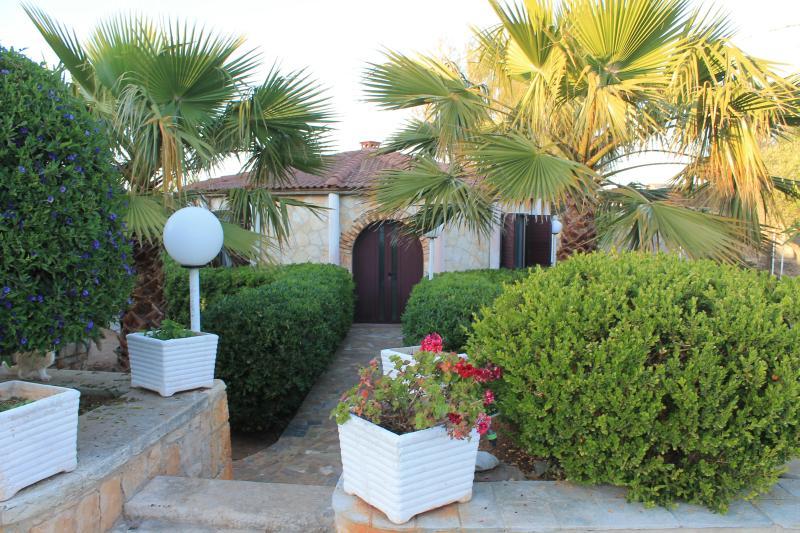 VILLA AZZURRA, Ferienwohnung in Polignano a Mare