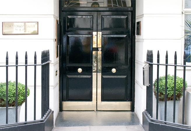 2 Bedroom Serviced Apartments in Mayfair, alquiler de vacaciones en Londres