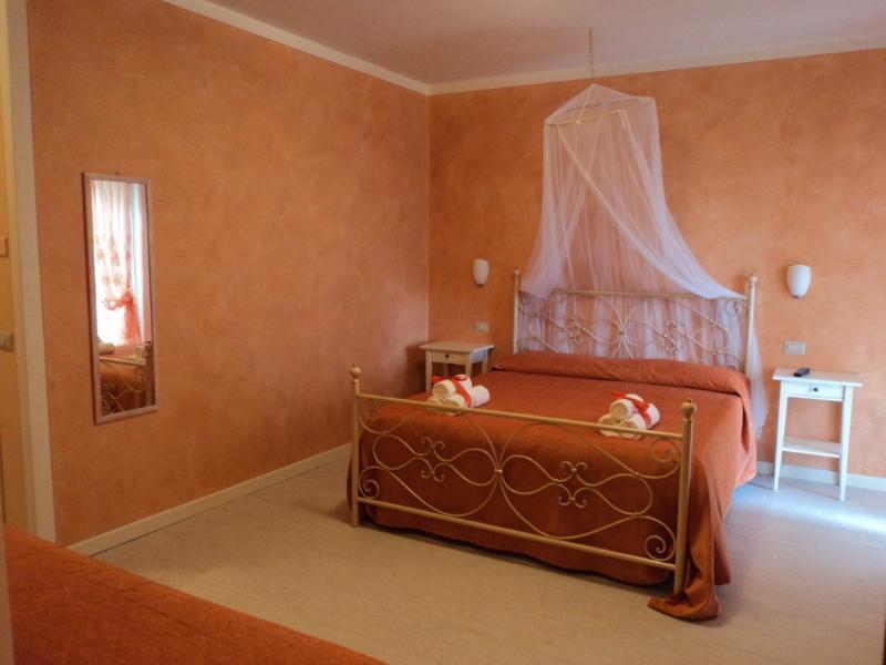 Bed & Breakfast Giardini di Corte camera 04, vakantiewoning in Cecina