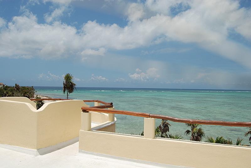 Exceptional Value! Tulum - Tankah Beachfront Getaway, Kayak, Snorkel, Relax!, alquiler de vacaciones en Tulum