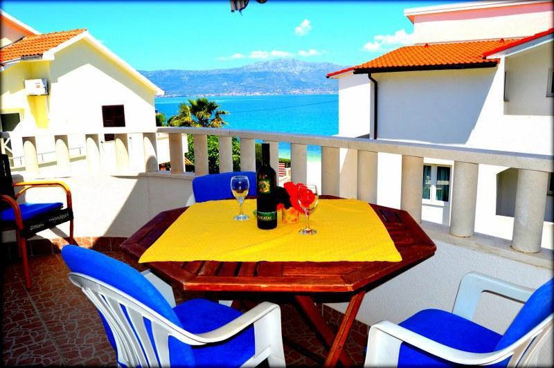 A2(5): terrace