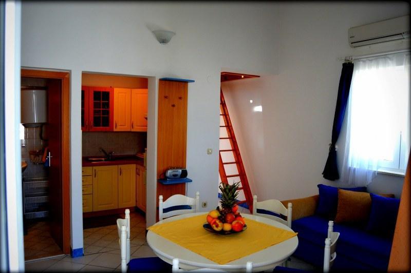 A2(5): dining room