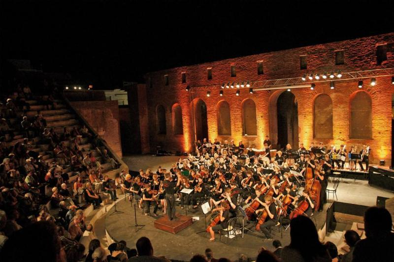 Open Air-Konzert im antiken Roman Odeon in Patras