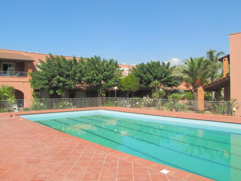 Residence del Mare  2 bedrooms, vacation rental in Pozzallo