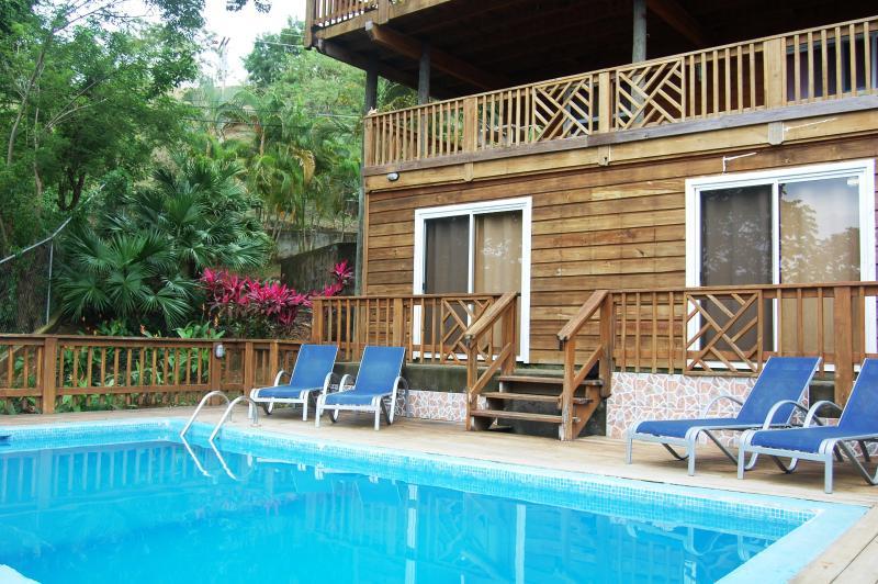 Penthouse Ladera Roatan Honduras, location de vacances à West End