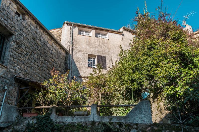 Het huis vanuit Grande Rue du Chateau