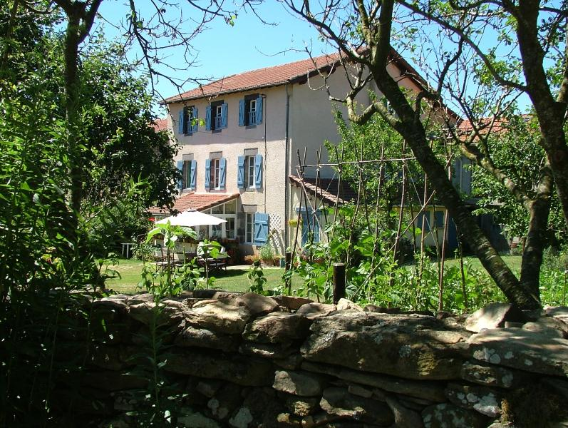 #Le Boucharel #Country #Apartment - complete top floor of house, use of garden,WIFI, parking.