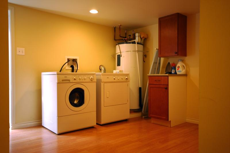 Clean & Spacious Laundry Room