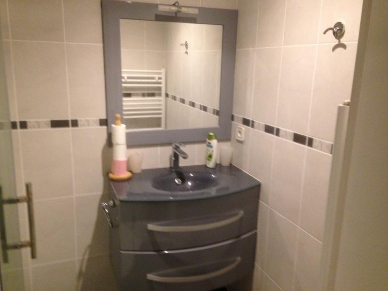 vue partielle salle de bain
