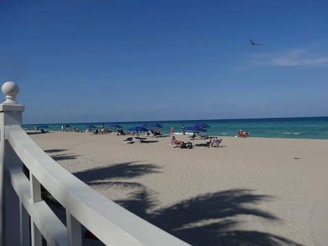 Beach Access / Acceso a la playa - ComprandoViajes