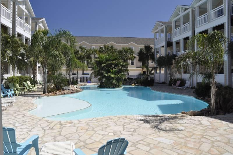 FURNISHED 2 BDRM AND JUST10 Min From CCAD NAS, vacation rental in Corpus Christi