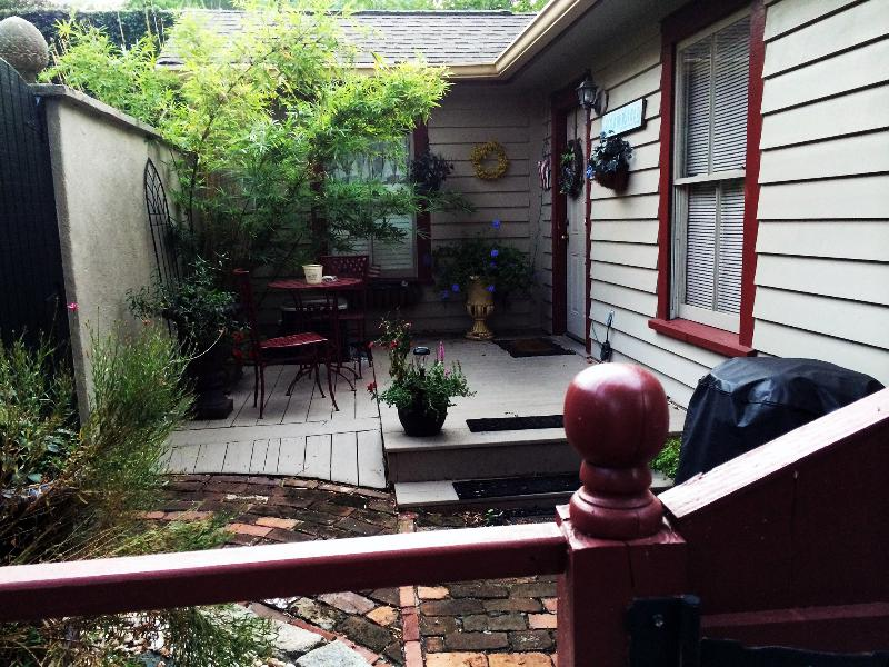 Taylor Cottage, vacation rental in Savannah