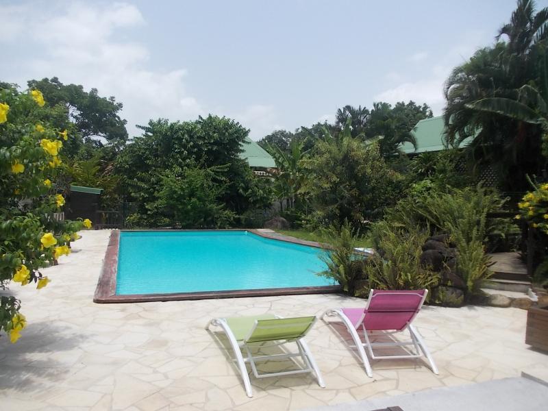 GITE bagatelle ** de 2 à 4 pers, vacation rental in Sainte Rose