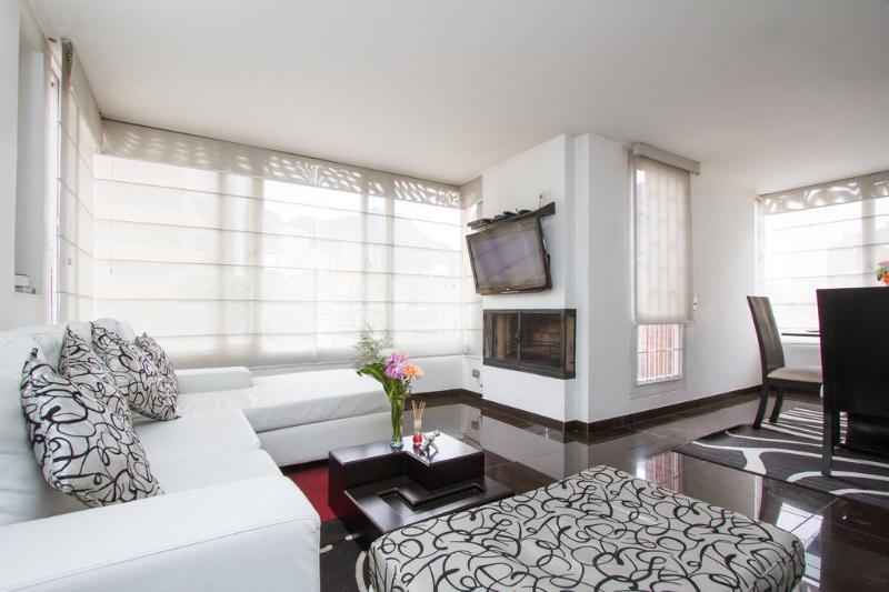 GREAT LOCATION CHAPINERO ALTO., holiday rental in Bogota