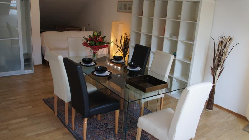 Dining Room / Esszimmer