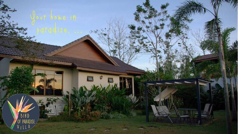 Bird of Paradise, holiday rental in Pak Nam