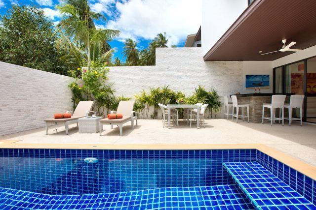 Private outdoor terrace and swimming pool