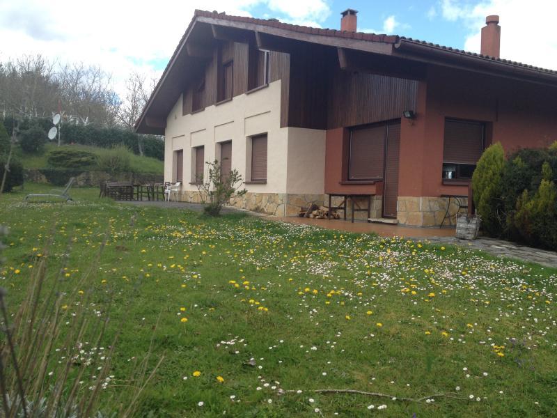 Casa Rural Ellauri / Ellauri Baserria, alquiler de vacaciones en Manurga