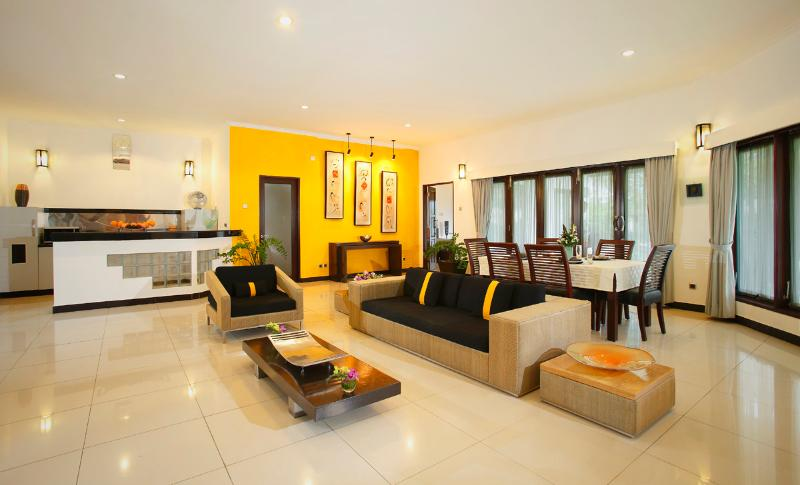 Romantic beachfront resort - 2 bedroom Pool Villa, vacation rental in Keramas