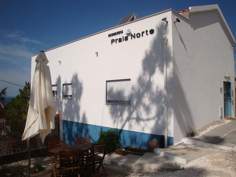 Residencia Praia Norte - AL option for Hotel, holiday rental in Barrio