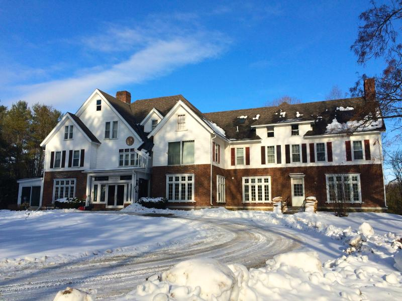 Battenkill Valley Mansion in Winter. Ski Stratton and Bromley in minutes!  4 fireplaces too!