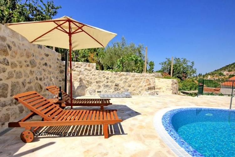 Dalmatian stone villa with pool, aluguéis de temporada em Mali Ston