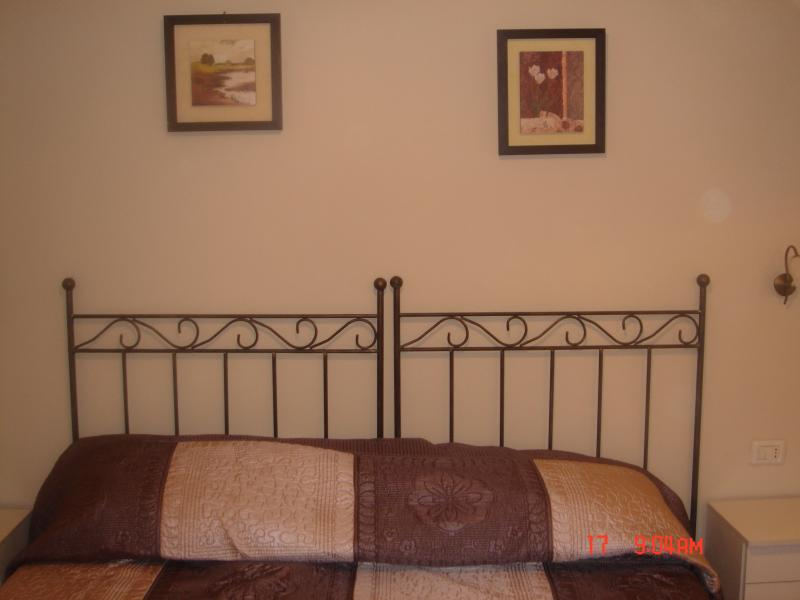 Bedroom area airconditioned cold and hot also with ceiling fan bright and modern