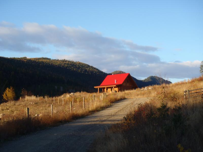 Bear Valley Highlands Wilderness retreat - Cabin 1, location de vacances à Cherryville