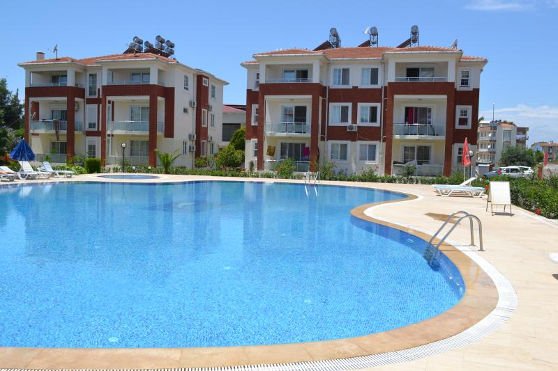 Antalya belek dreamlife apart 2 first floor - pool view - close to center, aluguéis de temporada em Belek