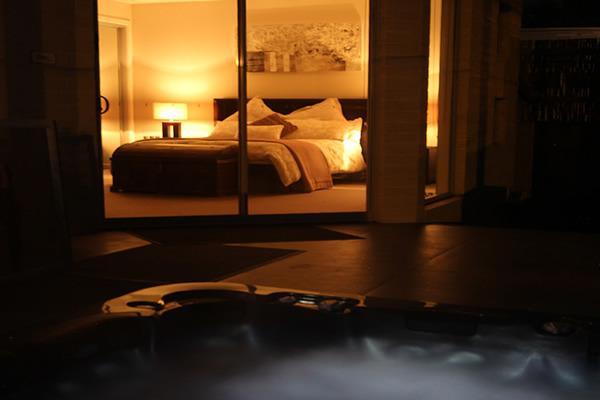 The Seavirw Suite - The Esplanade Bed & Breakfast, location de vacances à Frankston