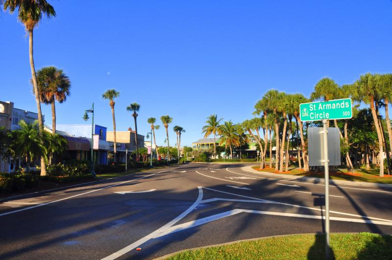 Within blocks of St. Armands Circle with over 100 shops and restaurants