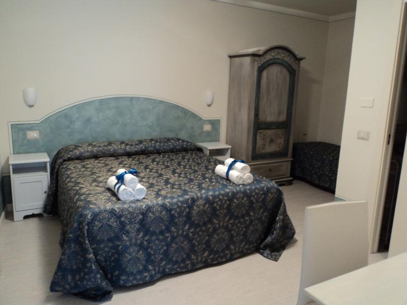 Bed & Breakfast Giardini di Corte Camera 02, holiday rental in Toscolano-Maderno
