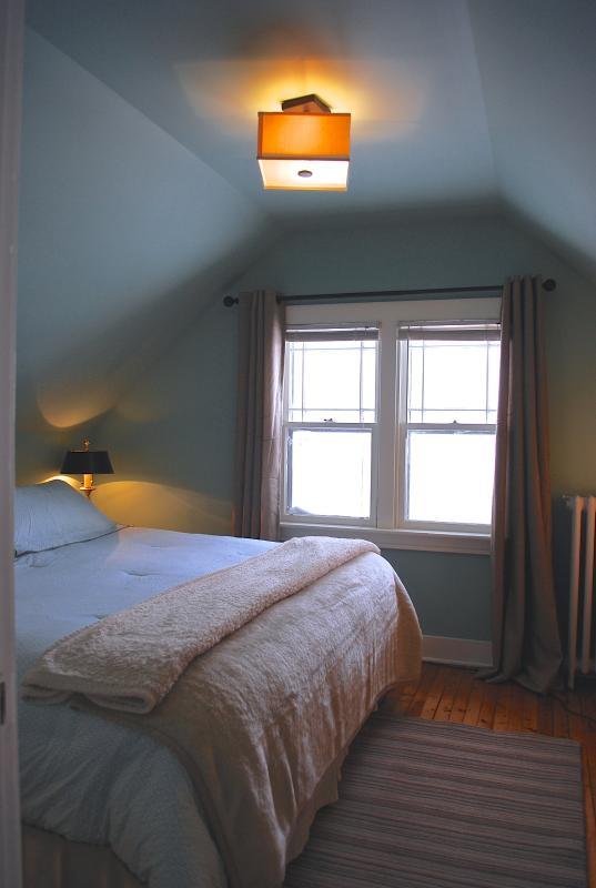 3rd Floor Bedroom King Bed
