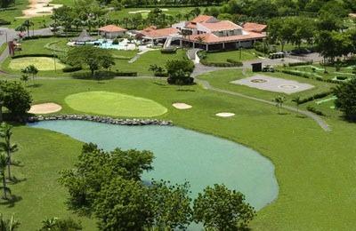 9 hole beside club house and hotel