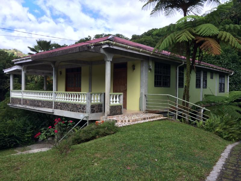 Rainforest Residence, holiday rental in Soufriere