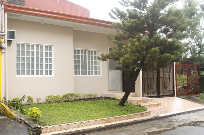 Gandrielle Home, vacation rental in General Trias