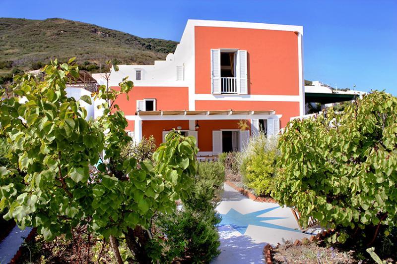 Villa Oleandro, holiday rental in Le Forna