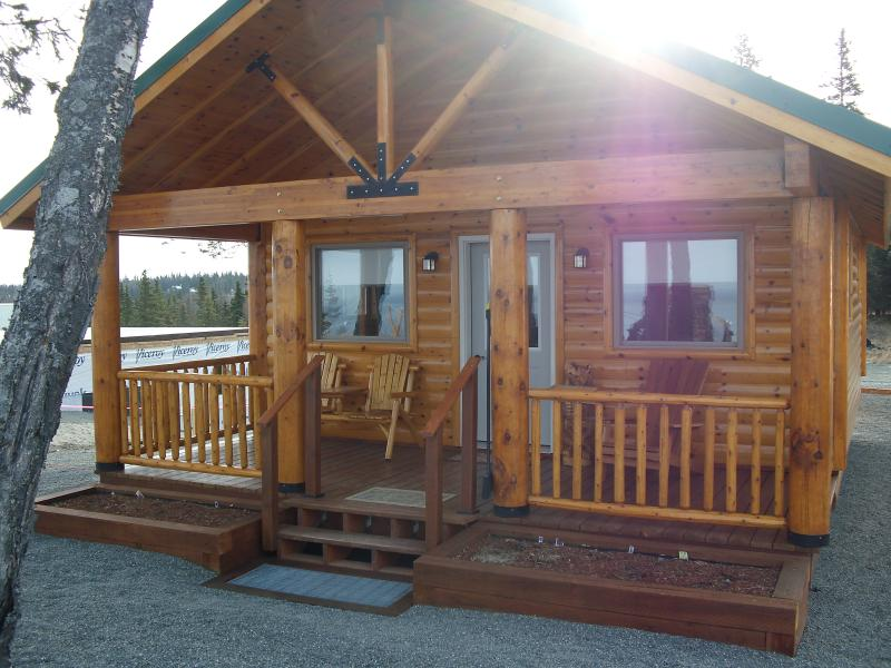 Ocean View Cabins on the Bluff (Wild Iris Cabin), aluguéis de temporada em Ninilchik